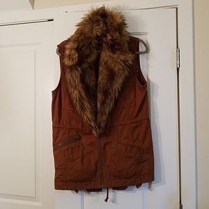 Anthropology vest with faux fur collar
